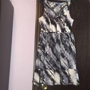 Simply Vera Vera Wang black and white dress.Size M